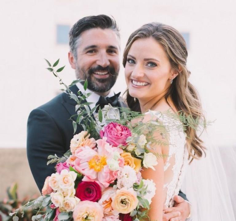 bride bouquet wedding flowers bright blooms